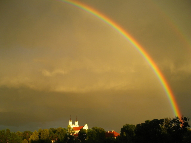 rainbow-above-church-1310130-640x480