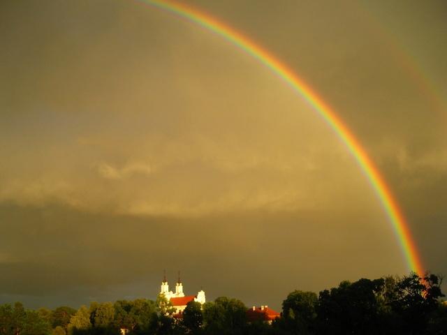 rainbow-above-church-1310130-640x480